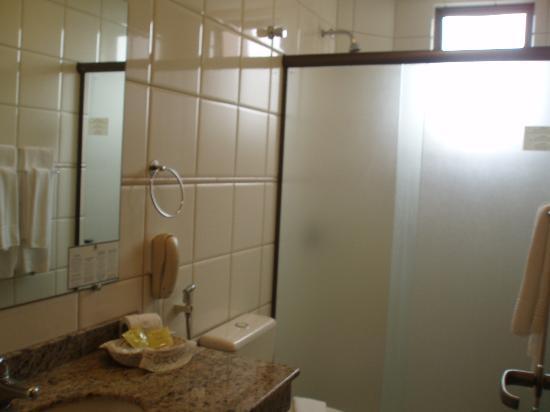 Falls Galli Hotel: Banheiro