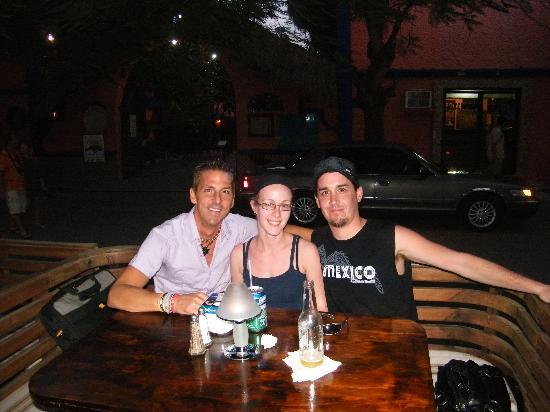 Los Tabernacos Sports Bar and Lounge : avec le proprietaire