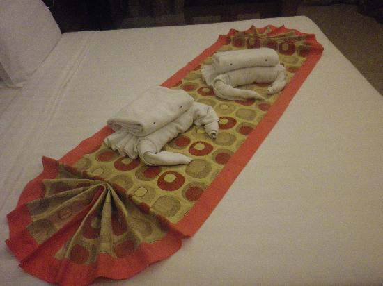 Baan Nueng Aree 5: カニの形にしたタオルがお出迎え。