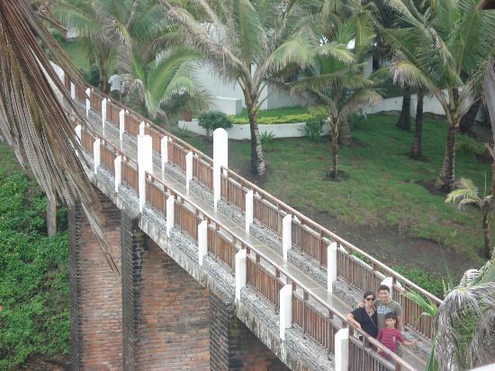 Royal Decameron Mompiche: puente hacia el SPA