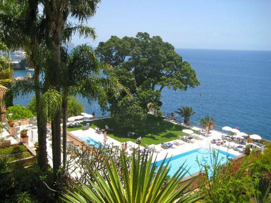 Belmond Reid's Palace : The swimming pool area
