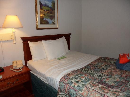 La Quinta Inn & Suites Nashville Franklin: one of two double beds