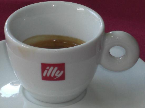 Roma Ristorante & Pizzeria Da Mauro: offcial seller of Illy coffee
