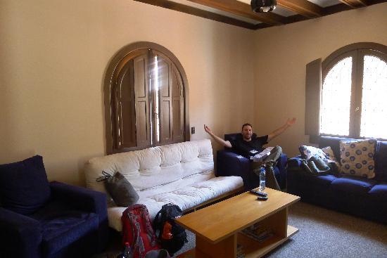 Castillo Surfista Hostel: Living Room