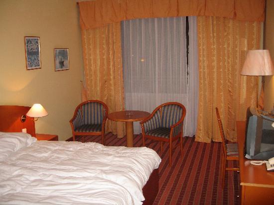Orea Hotel Voronez: Stanza..un 4 stelle????