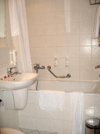 Orea Hotel Voronez: bagno