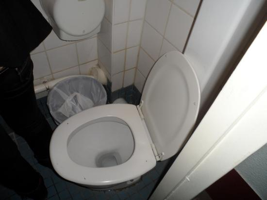 Auberge International des Jeunes: Salle de bain