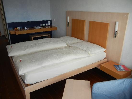 Hotel UTO KULM: Modern, spacious rooms (Lifestyle Room with a view)