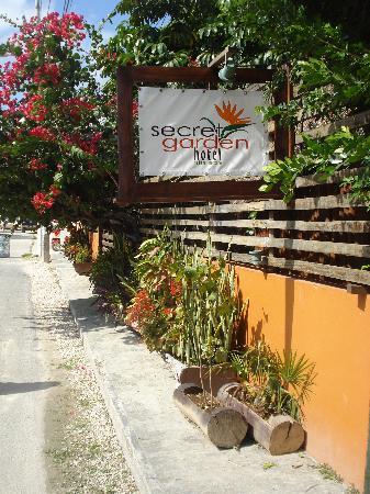 Secret Garden Hotel: Entrée