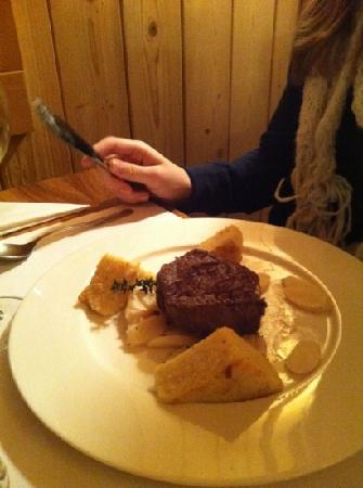 C und M Café Bar Restaurant: beef Filet