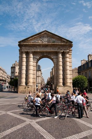‪Bordeaux by Bike‬