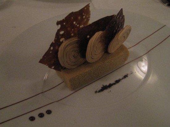 Alexander's Steakhouse: hazelnut dessert!