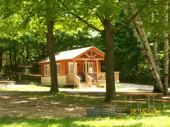 Orchard Beach State Park: cute cabins available to rent