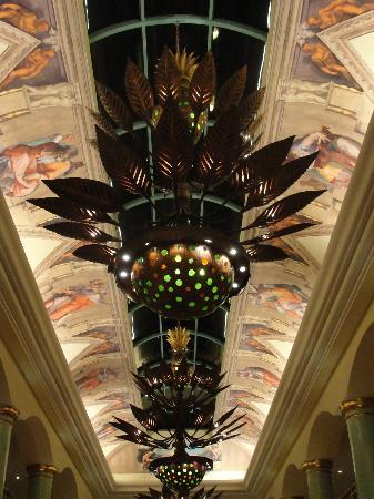 Iberostar Grand Hotel Paraiso: Hallway ceiling