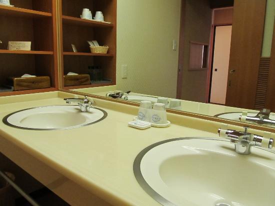 Hotel Kinparo : ホテル金波楼 岬の館(和室12、5帖)