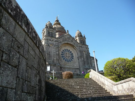 Viana do Castelo, Portogallo: La Basilica e le sue scalinate.