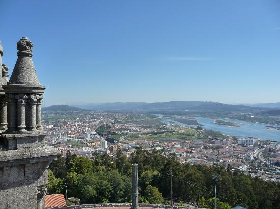 Viana do Castelo, Portugal: Panorama in cima alla Basilica.