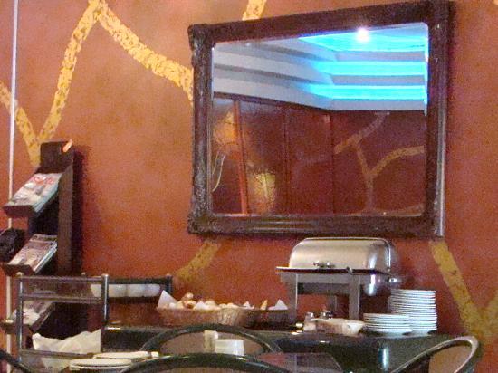 Maria Angola Hotel: A miséria do café da manhã