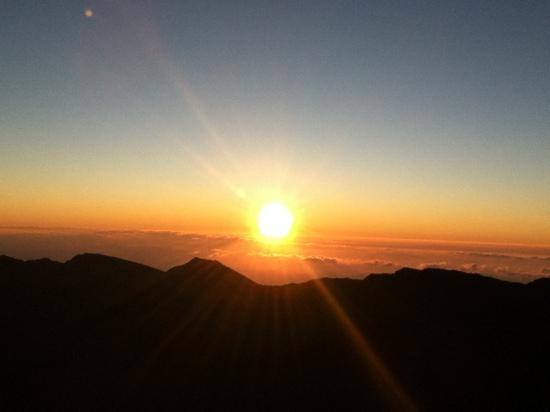 Haleakala Crater: sunrise from Haleakala Visitors Center 2.4.12