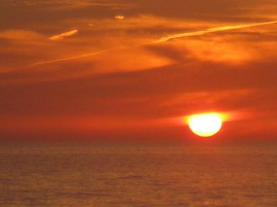 BridgeWalk a Landmark Resort: Bridgewalk Beach Sunset
