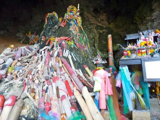 Phra Nang Beach: Phallus cave