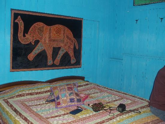 Ganpati Guest House: room