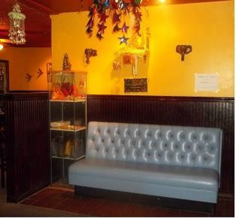 Thai Bay Cafe: the waiting area