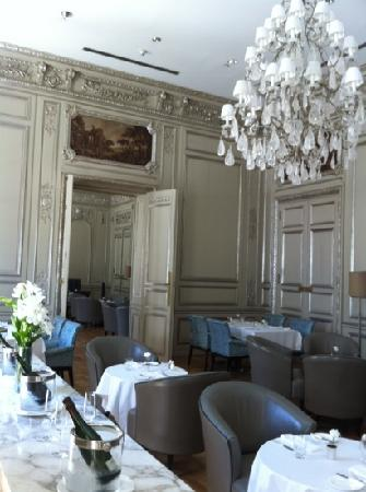 Palacio Duhau - Park Hyatt Buenos Aires: Fabulous, and bar next door = awesome!