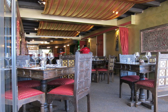 India Today Tandoor and Bistro: Great decor, good food too