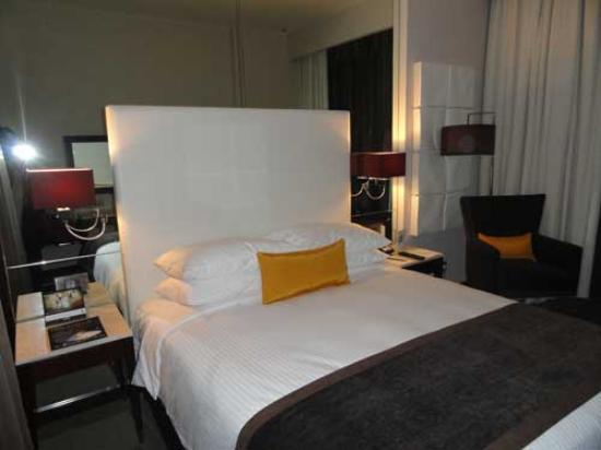 Centro Sharjah: Great pillows, comfortable bed, nice room