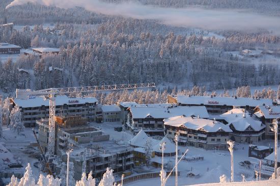 Куусамо, Финляндия: Looking down over the village