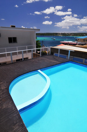 Mariner Apartments: Pool Area
