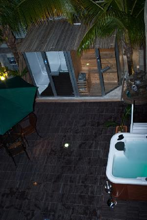 Pereybere Hotel & Apartments: Overlooking the Yard
