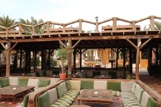 Acacia Dahab Hotel: The restaurant next to the sea, belonging to the hotel