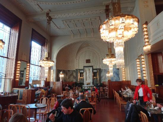 Alqush Downtown Hotel: Municipal house authentic czech food