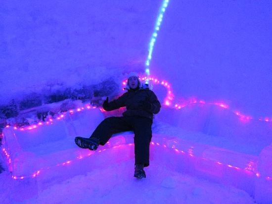 Ice Hotel Romania: ice sofa