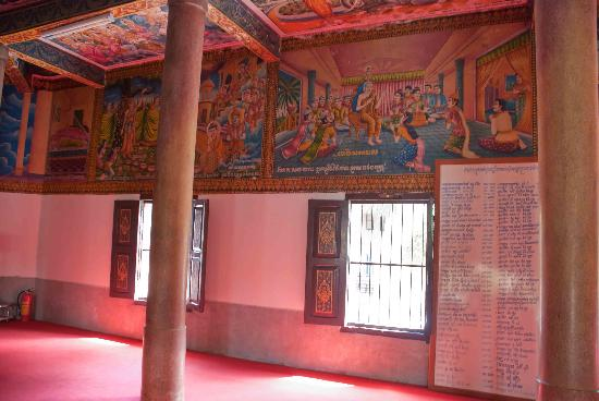 Wat Langka: Stunning paintings on the walls of the temple