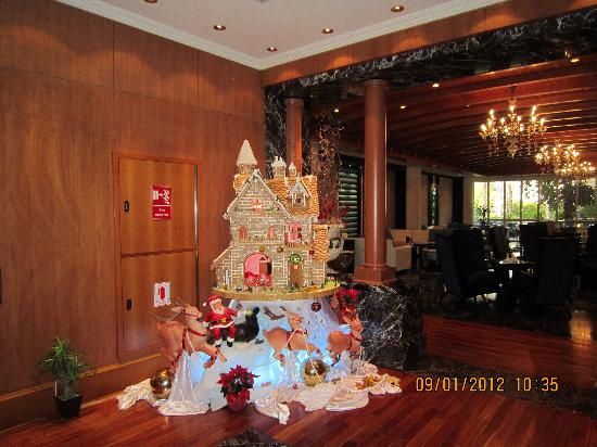 dubai marine beach resort and spa hotel christmas decorations - Hotel Christmas Decorations