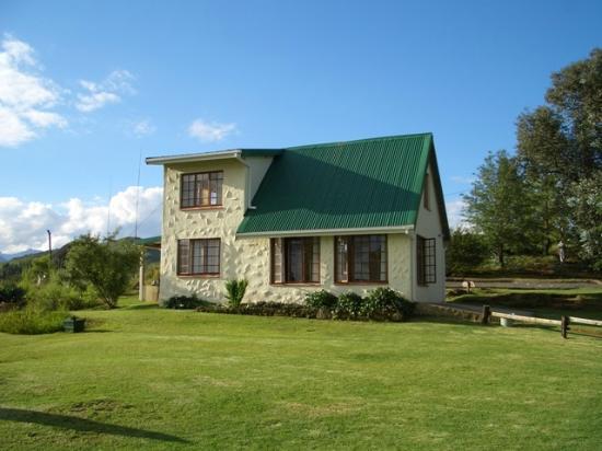 Eagles Rock Mountain Retreat: Jackal Buzzard Side view