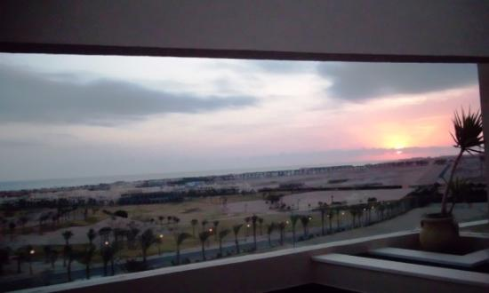 Steigenberger Makadi : Amazing sunrise view just captured from the bed