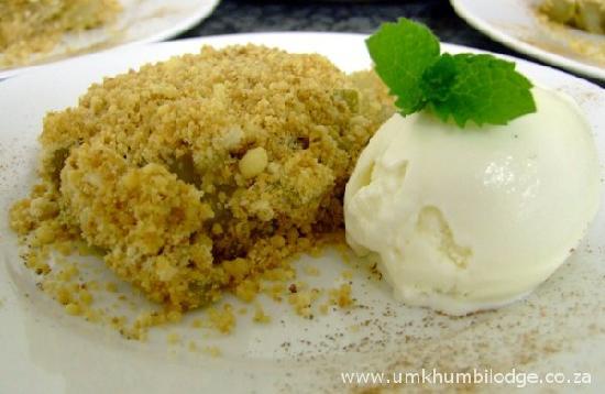 Umkhumbi Lodge: Apple Crumble - yummy!