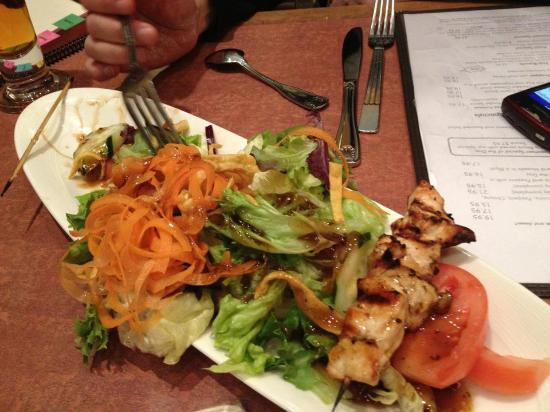 Adelphia Restaurant & Lounge: Chicken satay, little bit of  chicken mostly lettuce