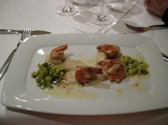 Hotel Restaurant Zirbelstube : Fried prawn main course