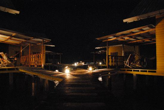 Koko Resort: At Night