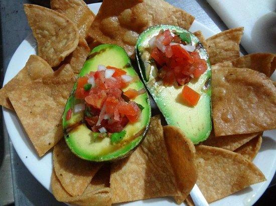 Lo Que Hay : Grilled Avocados