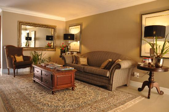 Chocolate Box Guest house: Lounge