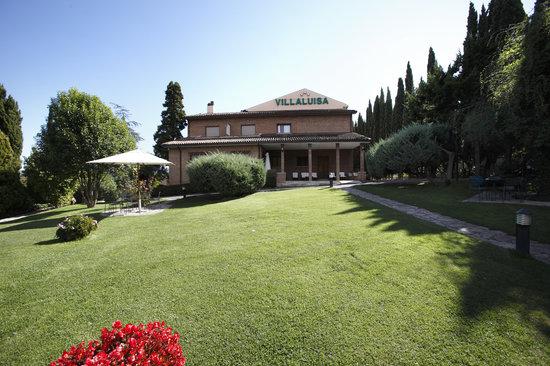 Villa Luisa : Un'oasi di verde in prossimità del centro storico di Todi