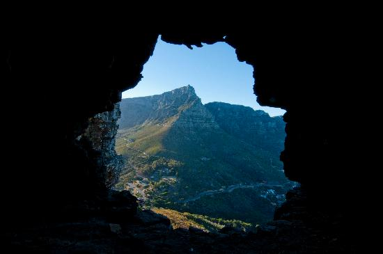 Photography Tours : The cave from Lion's Head look at Table Mountain