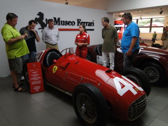 Museo Ferrari: carros antigos