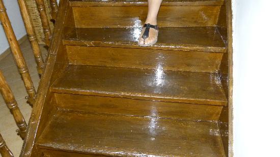Casa di Pietra: La lucentissima scala